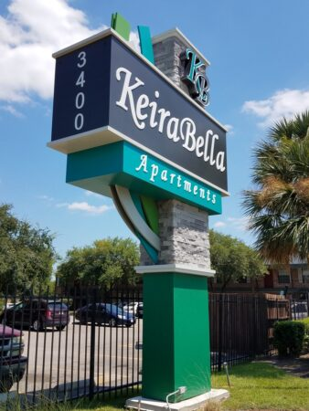 Houston outdoor signs for apartment community